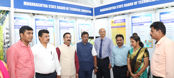 Shri. Vinod Tawde,  Minister, Higher & Technical Education